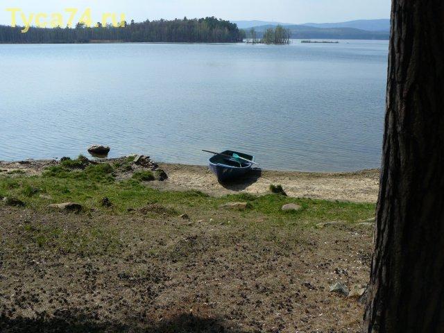 Лодка на берегу. Кисегач.