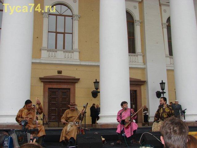 Выступление группы из Тувы «Хуун-Хуур-Ту»